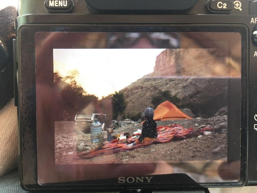 Zelt und Baby in einem Wadi, Oman